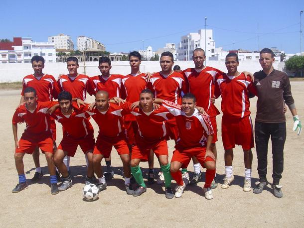 صورة جماعية لعناصر فريق نهضة شباب وزان