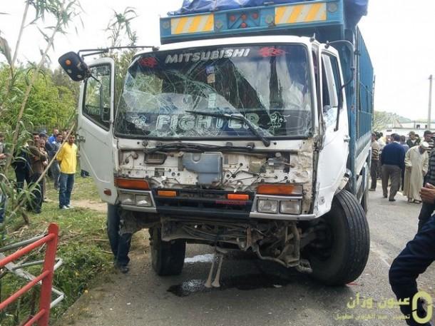 الشاحنة التي ارتطمت بالسيارة