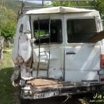 السيارة التي ارتطمت بها الشاحنة