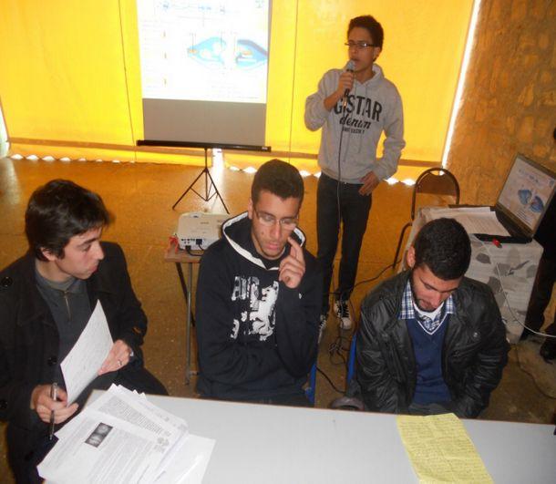 فريق ثانوية ابن زهر المشارك في الملتقى