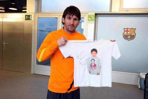 صورة للاعب ميسي وهو يحمل قميص وليد