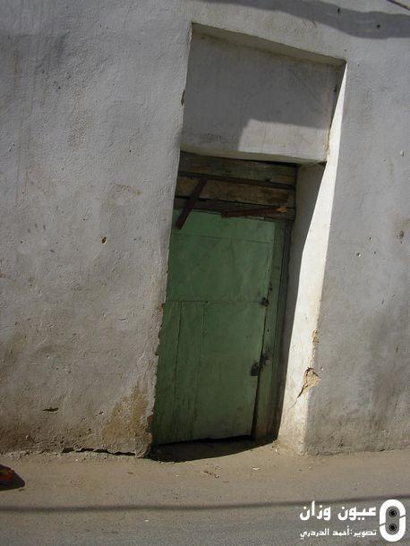 باب منزل الهالك حيث عثر على الجثة