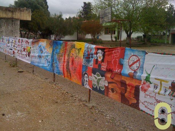 لوحة تعبيرية حول مناهضة العنف ضد المرأة