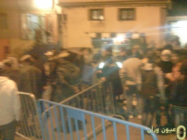 السلطات المحلية تخلي الباعة من حي المريتاح بوزان