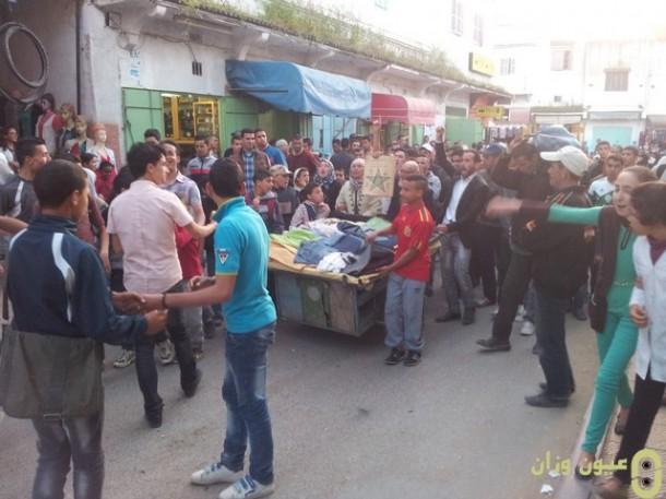 مسيرة احتجاجية للباعة المتجولين بشارع محمد الخامس بوزان