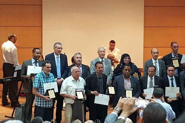 تتويج السيد عبد الواحد خالص مدير ثانوية ابن زهر التأهيلية بوزان بجائزة التميز على المستوى الوطني