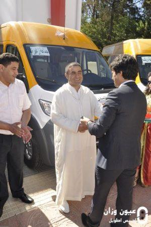 توزيع سيارات النقل المدرسي لفائدة الجماعات الترابية بالإقليم