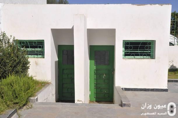 مدخل مرحاض حديقة الأطفال المحادية لساحة 3 مارس.