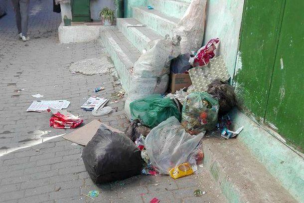 صورة لأزبال متراكمة نشرها أحد النشطاء الفيسبوكيين