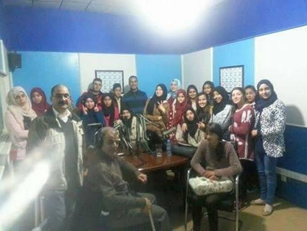 تلاميذ الثانوية التأهيلية علال الفاسي بابريكشة إقليم وزان يزورون مقر إذاعة طنجة الجهوية