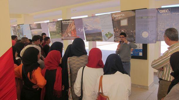 ما يفوق 5000 تلميذ وتلميذة ب 13 مؤسسة تعليمية بإقليم وزان استفادوا من فعاليات معرض علمي حول التربية على التغيرات المناخية في إطار قافلة العلوم لوزان 2017