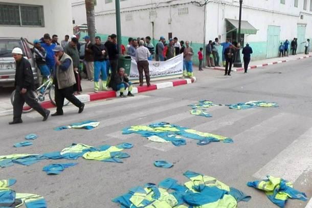 جانب من اعتصام عمال النظافة بوزان