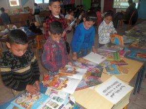 """""""معرض الكتاب المتنقل بين المؤسسات التعليمية"""" يحط رحاله بمدرسة """"مسقة كم"""" بجماعة مقريصات"""
