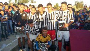 توزيع الجوائز - ثانوية 3 مارس التأهيلية بسيدي رضوان تنظم دوري المؤسسة في كرة القدم المصغرة