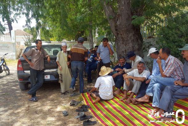 جانب من السكان المحتجين خلال اعتصامهم
